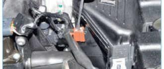 Снятие впускного коллектора Рено Логан Сандеро (Renault Sandero Logan): пошаговая инструкция